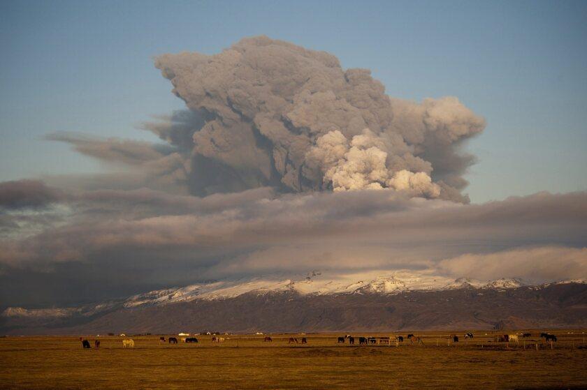 Iceland volcano threatens to erupt