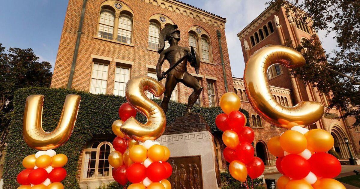 Ex-USC εισαγωγές υπάλληλο να δηλώσει ένοχος για να τρέχει απάτη να παραδεχτώ ανεπιφύλακτη Κινέζοι φοιτητές