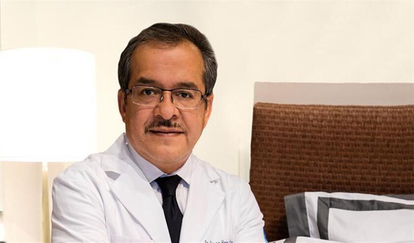 Fotografía de archivo personal fechada el 11 de enero de 2018 que muestra al director del Instituto Mexicano de Medicina Integral del Sueño, Reyes Haro, en Ciudad de México (México). EFE/Archivo personal/SOLO USO EDITORIAL