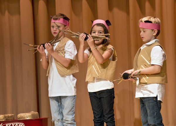 "Solana Santa Fe Kindergarteners perform ""The Three Piggy Opera"""