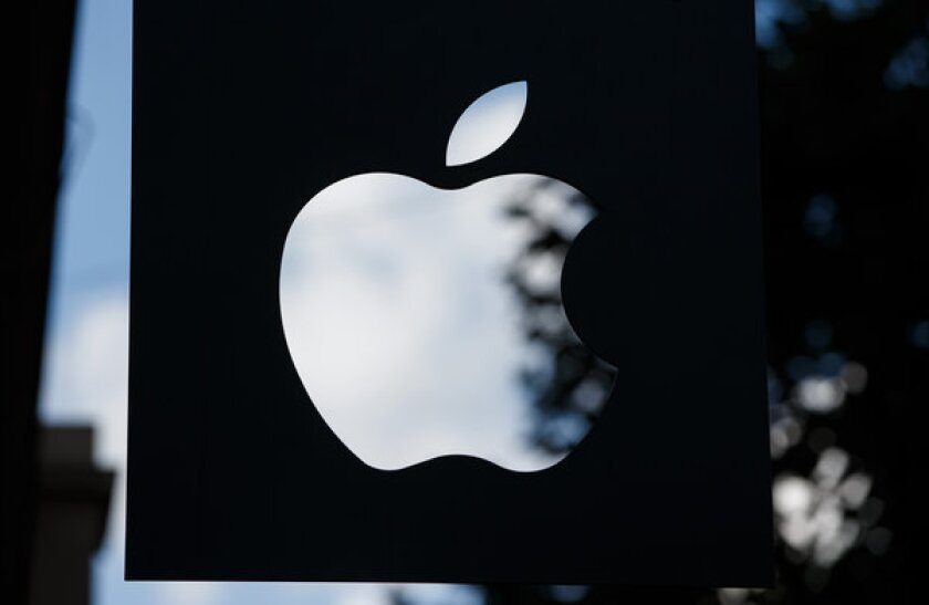 After BlackBerry announced layoffs for thousands of employees, Apple went to Canada to recruit.