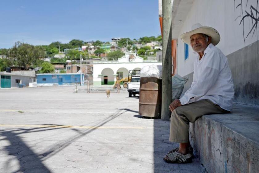 Vista general del poblado de Zoyatla el 18 de julio de 2019 en el estado de Puebla (México). Zoyatla, junta auxiliar (subdivisión administrativa) del municipio de Tepeojuma, en el estado central de Puebla, se ha convertido en uno de los pueblos mexicanos con mayor expulsión de migrantes y 70 % de su población ha buscado el sueño americano desde décadas atrás. EFE/Hilda Rios