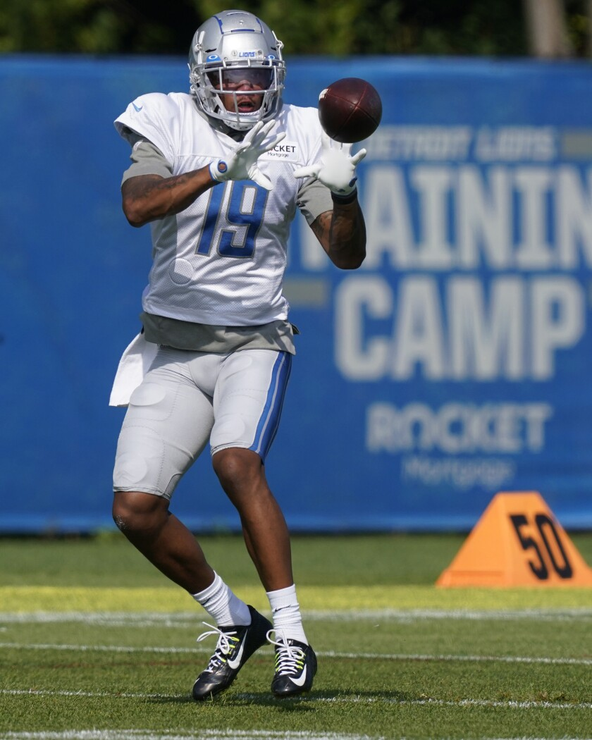 Detroit Lions wide receiver Kenny Golladay runs through a drill at the Lions NFL football camp practice, Monday, Aug. 17, 2020, in Allen Park, Mich. (AP Photo/Carlos Osorio)