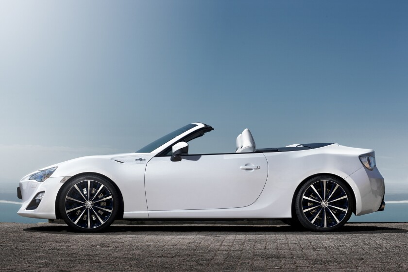 Toyota FT-86 concept convertible