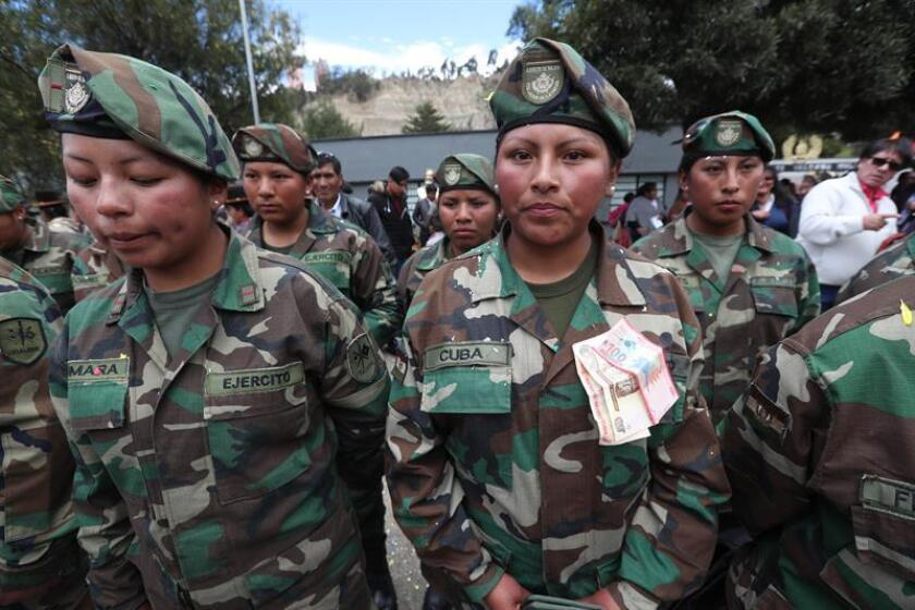 Photograph taken Feb. 5, 2019, showing the mustering out of the first group of female soldiers in La Paz, Bolivia. EFE-EPA/Martin Alipaz