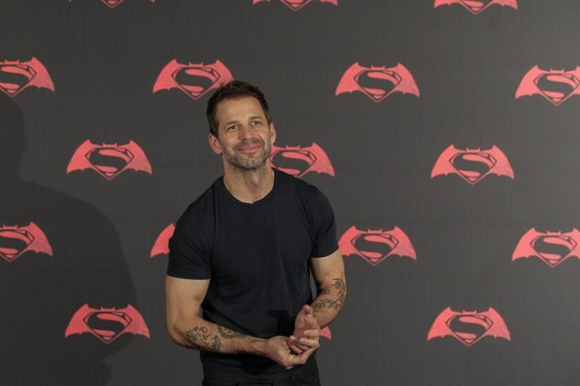 """El director de cine estadounidense Zack Snyder participa el sábado 19 de marzo de 2016, momentos antes de una rueda de prensa en Ciudad de México (México) de la película """"Batman vs Superman, Amanecer de Justicia"""". EFE/Archivo"""