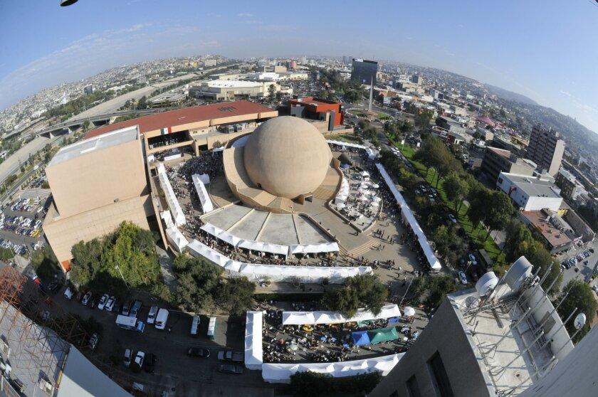 Entijuanarte es un festival de arte en la explanada de Cecut, entre otras actividaes.