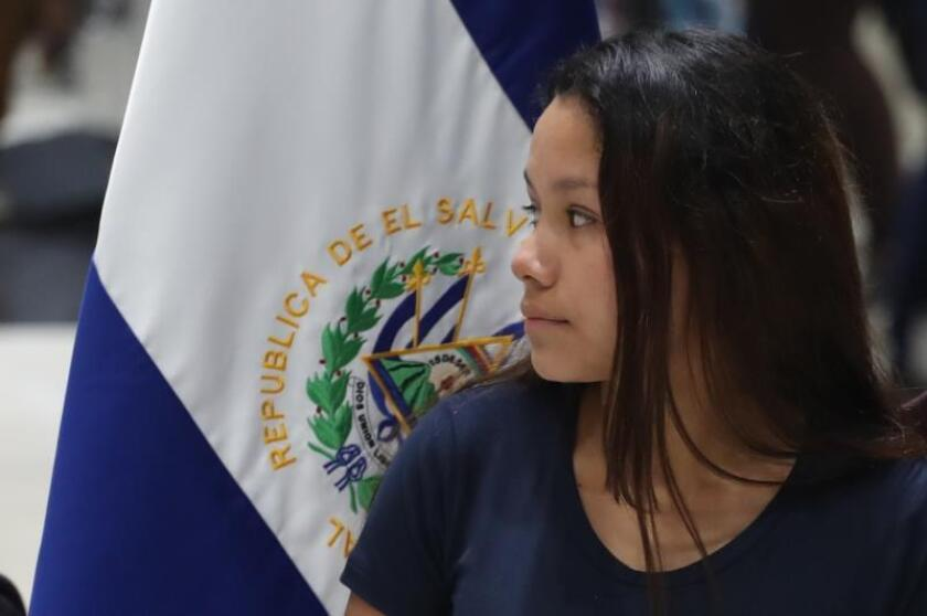 Wife of man drowned with daughter in Rio Grande returns to El Salvador