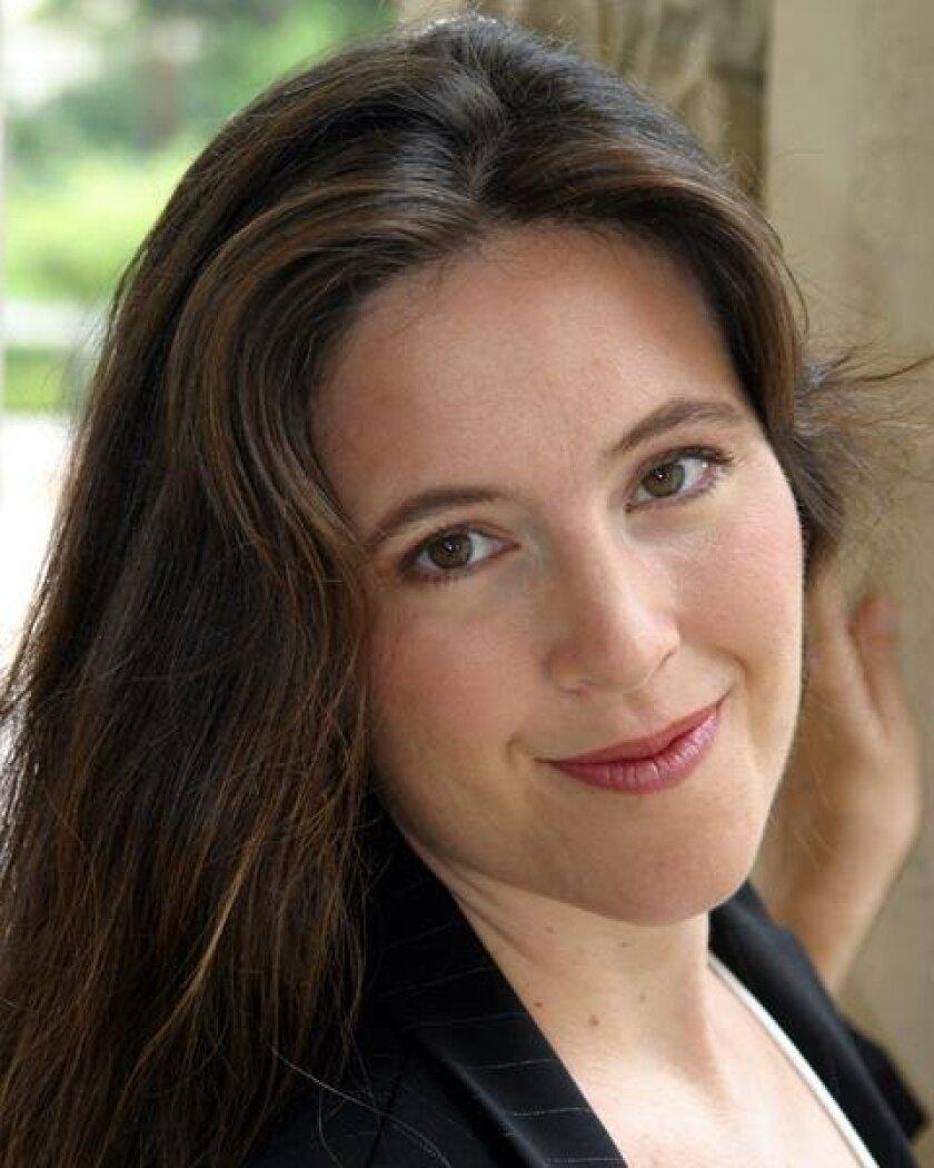 Mezzo-soprano Janelle DeStefano