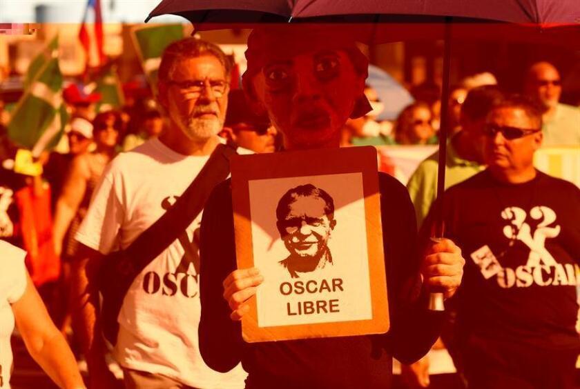 El representante popular, Ramón Luis Cruz, hizo un llamamiento a todos los puertorriqueños que aún no han firmado la petición dirigida al presidente estadounidense, Barack Obama, para la liberación del independentista Óscar López Rivera. EFE/ARCHIVO