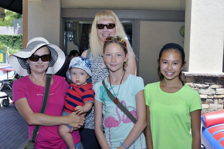 Mila Nikitin and Alexandra Nguyen with Levi, Sasha and Jessica