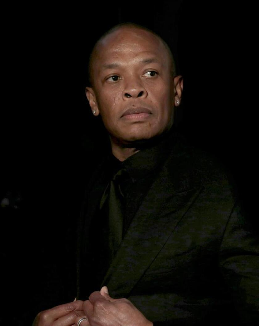 US rapper Dr. Dre poses for photographers at the 31st Annual Rock and Roll Hall of Fame Induction Ceremony at the Barclays Center in Brooklyn, New York, USA. EFE/EPA/Archivo
