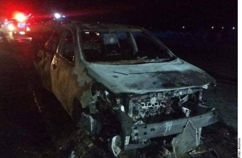 Incendian otros cuatro vehicul_918157.JPG