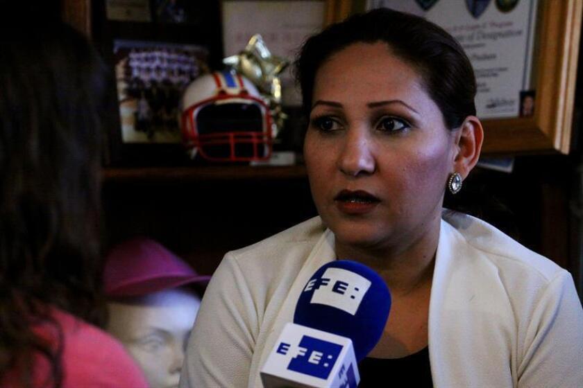 """Fotografía del 31 de mayo de 2018, que muestra a la mexicana Emma Sánchez, integrante de """"Madres soñadoras"""", un colectivo de mujeres expulsadas de Estados Unidos. EFE"""