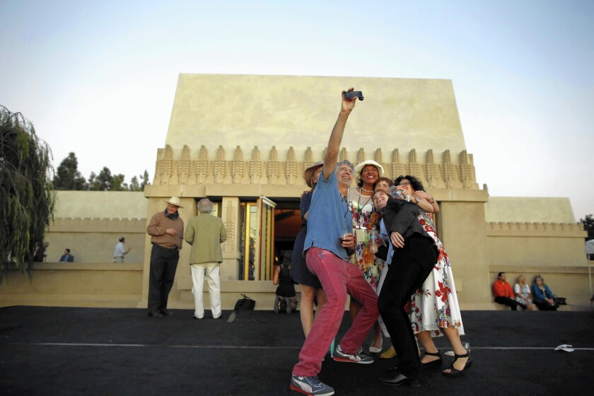 Thousands flock to Hollyhock House