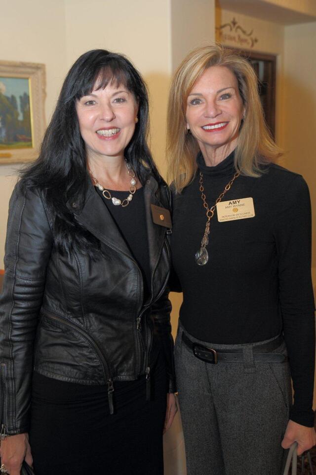 Author Paula Shaw speaks at RSF Rotary Club meeting