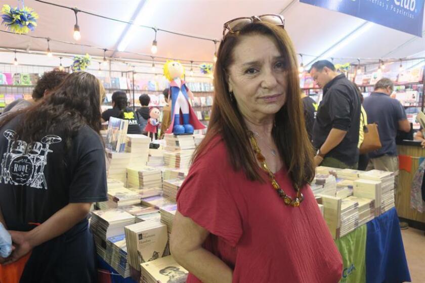 La programadora de la Feria del Libro de Tijuana, Ivonne Arballo, posa hoy, domingo 3 de mayo de 2018, durante el cierre de este magno evento en la fronteriza Tijuana, en el estado de Baja California (México). EFE
