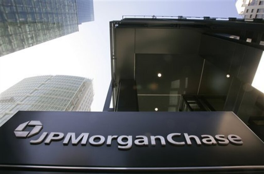 In this Oct. 15, 2008 file photo, which shows the exterior view of JPMorgan Chase offices in San Francisco. JPMorgan Chase managed to avoid a loss in the fourth quarter, indicating that it is weathering the financial crisis, Thursday, Jan. 15, 2009, better than some of the other big banks. (AP Ph
