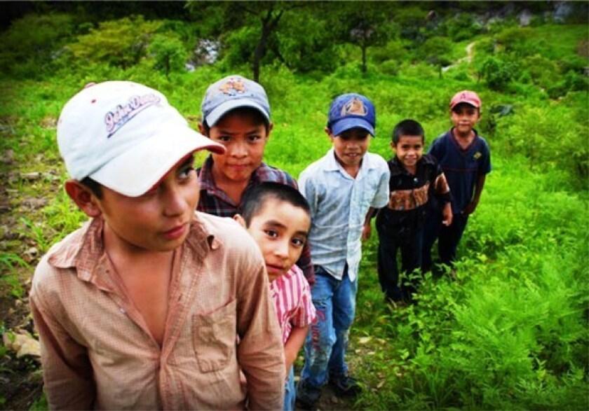 El presidente de la Comisión Nacional de los Derechos Humanos (CNDH), Luis Raúl González, exigió hoy atención urgente para los menores migrantes centroamericanos en tránsito por México, un fenómeno que se ha disparado en los últimos años.