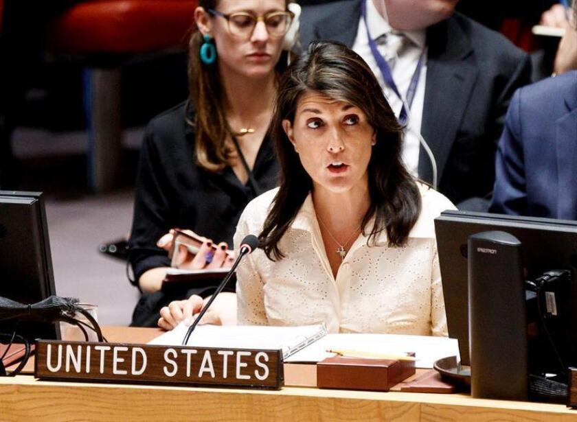 La embajadora permanente de Estados Unidos ante la ONU, Nikki Haley, ofrece unas palabras durante un Consejo de Seguridad de la ONU. EFE/Archivo