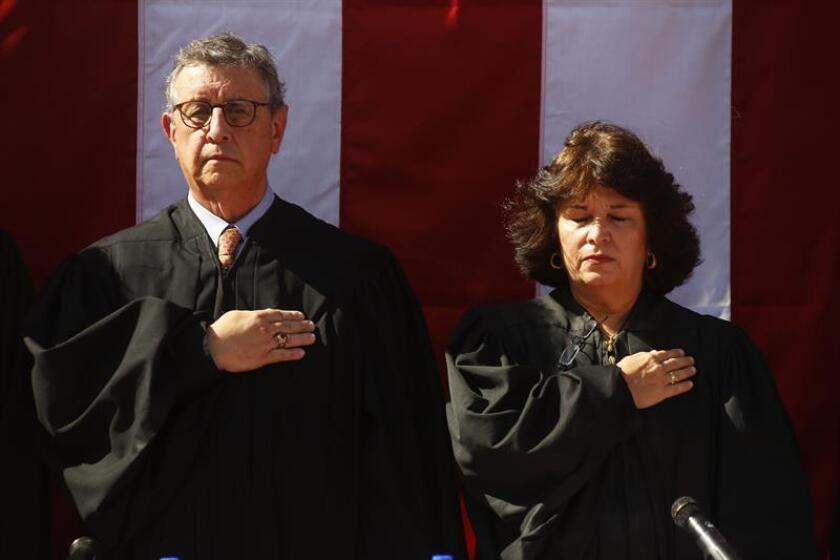 Fotografía de dos jueces del Tribunal federal de Puerto Rico. EFE/Archivo