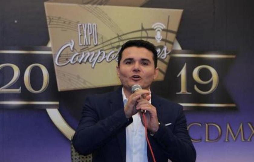 El compositor mexicano Horacio Palencia habla este martes 22 de octubre previo a una entrevista con Efe en Ciudad de México (México). EFE/Mario Guzmán