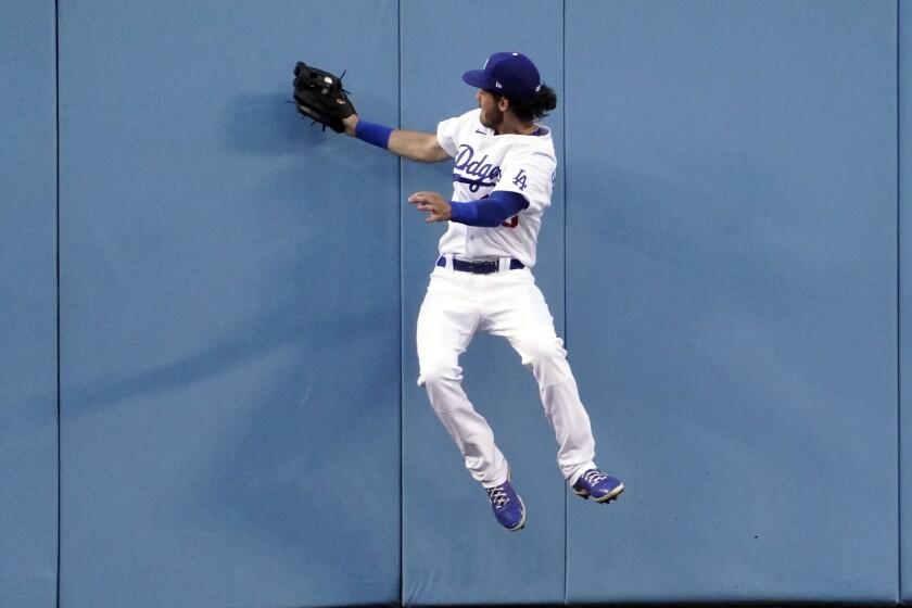 El jardinero central de los Dodgers de Los Ángeles