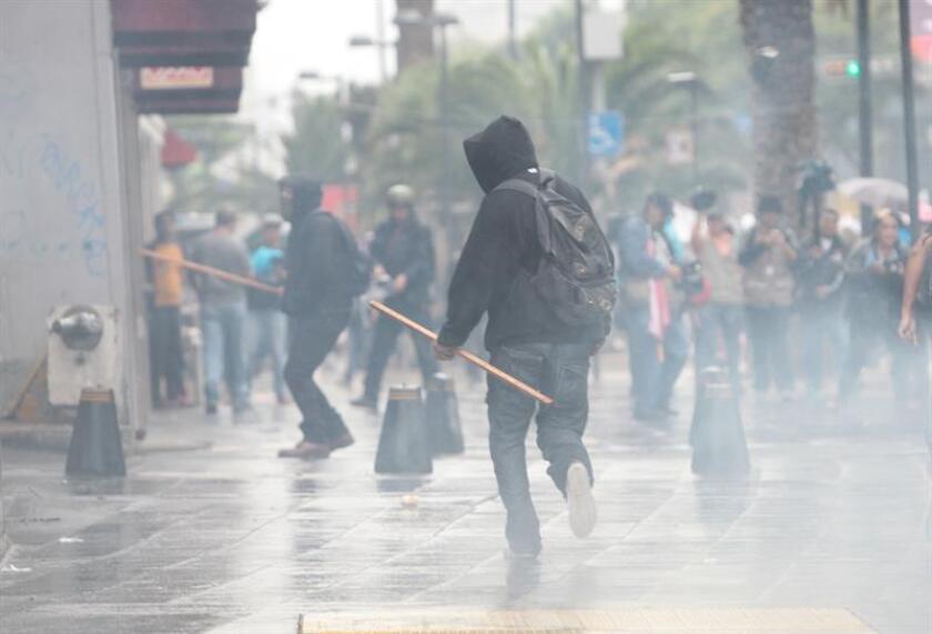 """El 74,6 % de los mexicanos consideró que la situación de seguridad """"está peor que hace un año"""" y el 47 % señaló que la impunidad de los delitos ha aumentado, según los resultados de la decimosexta encuesta nacional sobre percepción de inseguridad ciudadana en México que se presentó hoy en esta capital. EFE/ARCHIVO"""