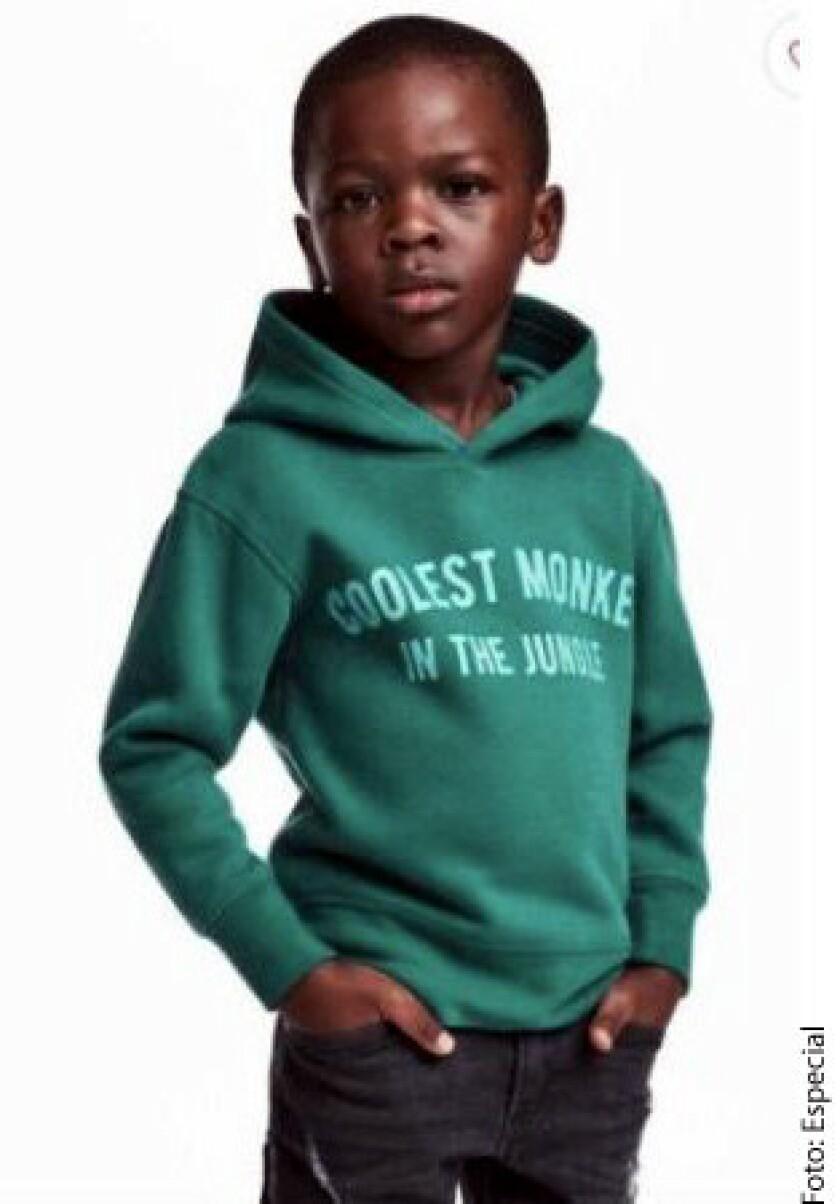 """A unos días de que las redes se hayan desatado en contra de la firma sueca H&M por un anuncio en el que un niño viste una sudadera con el lema """"Coolest Monkey in the Jungle"""" (El mono más genial de la selva), la madre de éste ha respondido."""