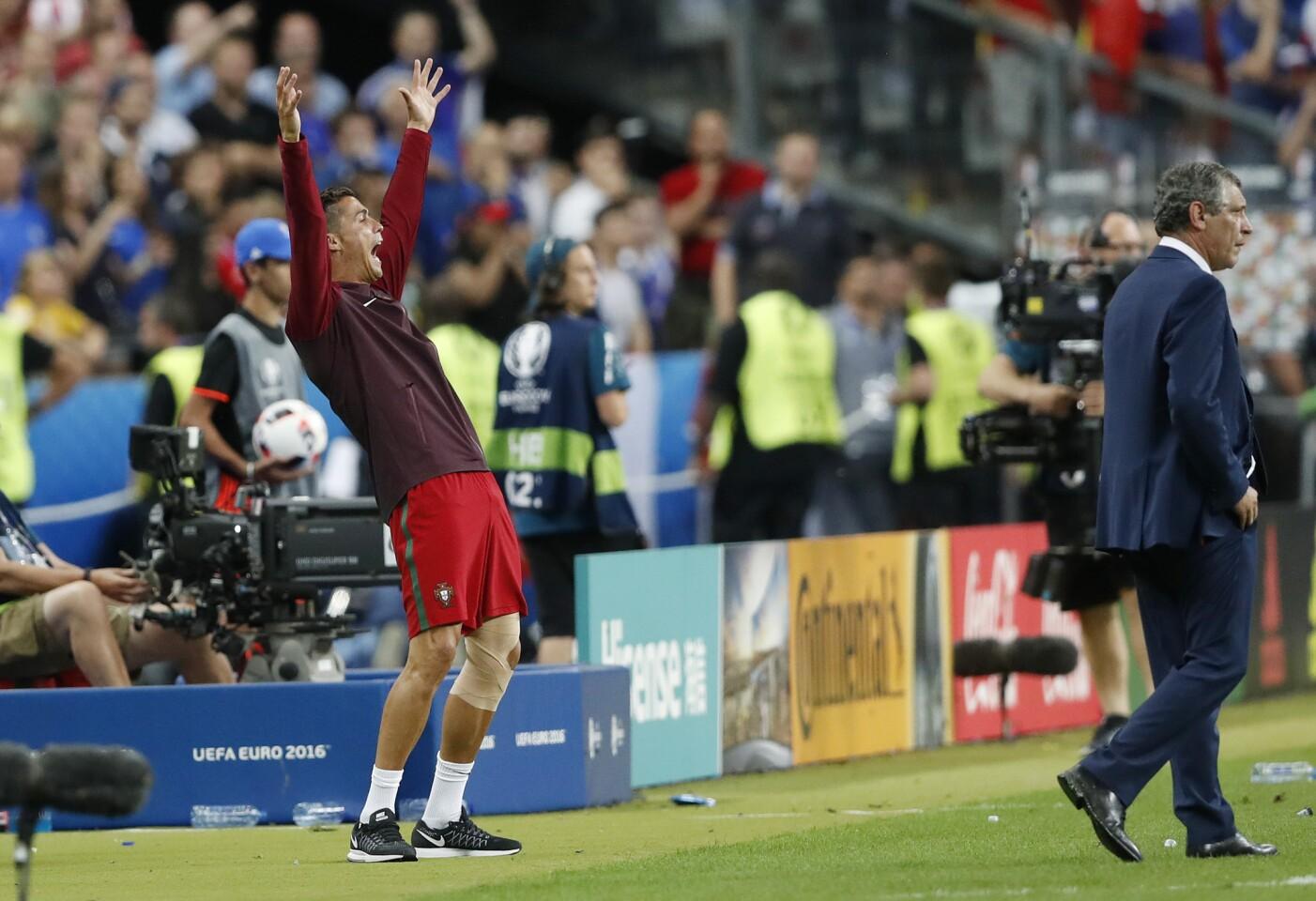 Football Soccer - Portugal v France - EURO 2016 - Final - Stade de France, Saint-Denis near Paris, France - 10/7/16 Portugal's Cristiano Ronaldo REUTERS/Carl Recine Livepic ** Usable by SD ONLY **