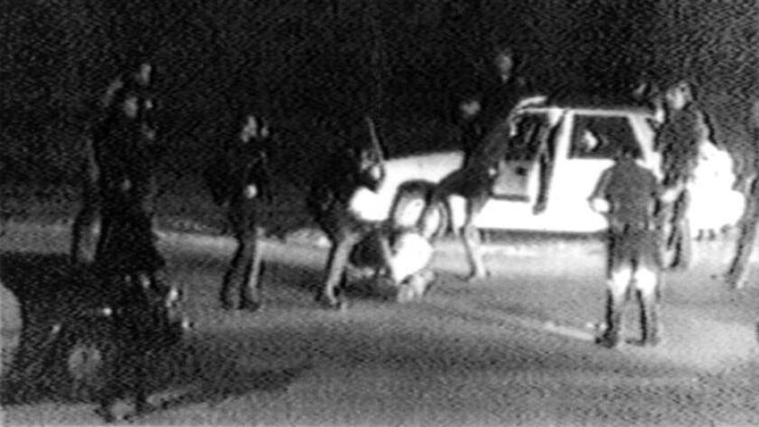 Imagen tomada en 1991 por George Holliday que muestra a oficiales de policía Angelina golpeando a Rodney King.