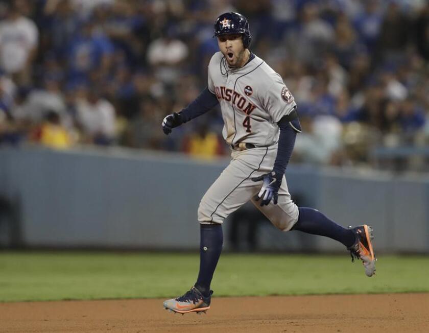 En la imagen, el jugador George Springer de los Astros de Houston. EFE/Archivo