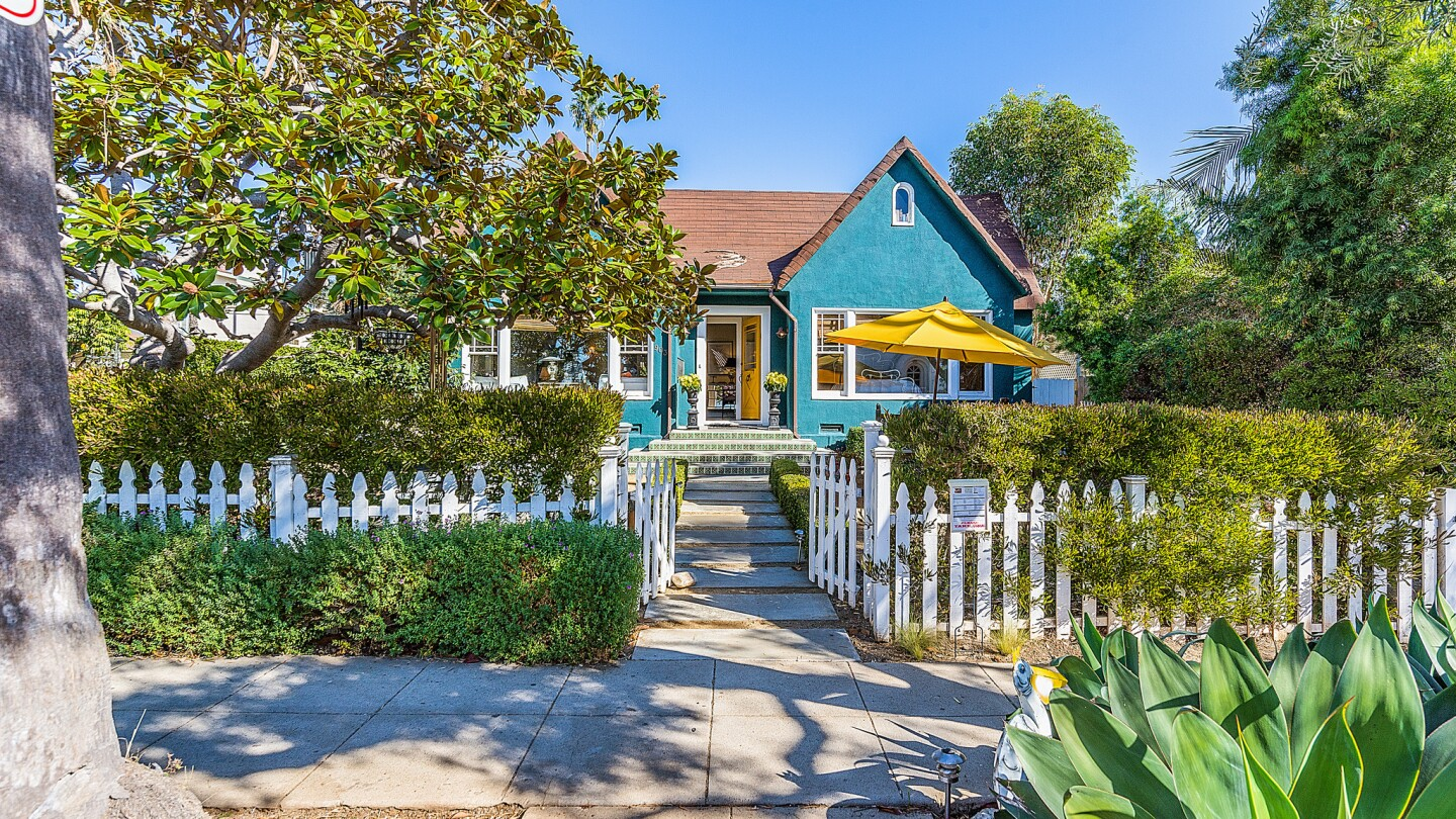 Home of the Day: A breezy feel in Santa Monica for $2.595 million