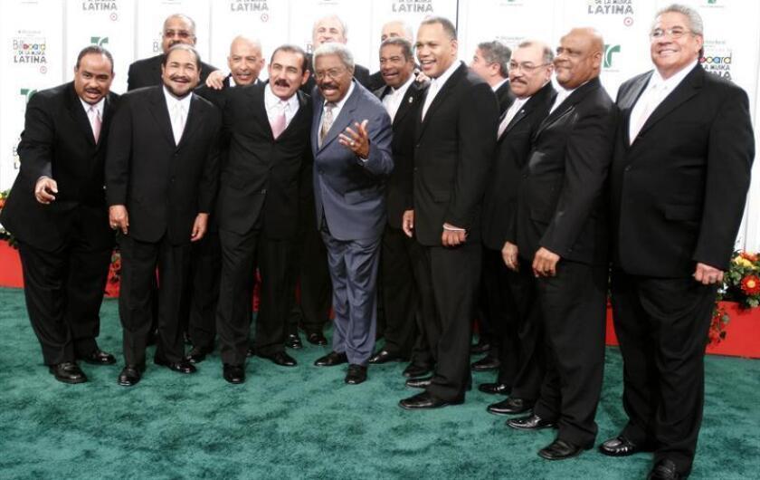 El Gran Combo de Puerto Rico a su llegada a la alfombra roja en la ceremonia de entrega de los Premios Billboard a la Música Latina en el Bank United Center de Coral Gables (EEUU). EFE/Archivo