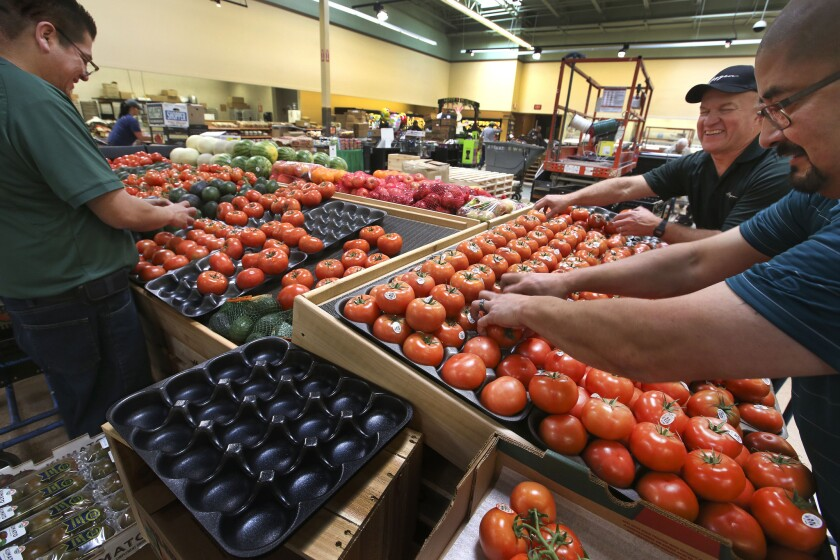 A union has filed grievances against grocery store chains Haagen, Vons and Albertsons for alleged violations of collective bargaining agreements.
