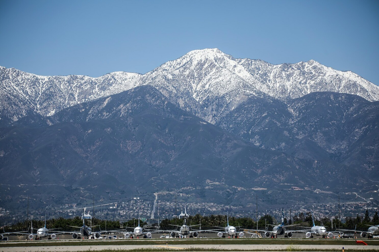 Ontario Airport Will Host Pop Up Drive In Amid Coronavirus Los Angeles Times