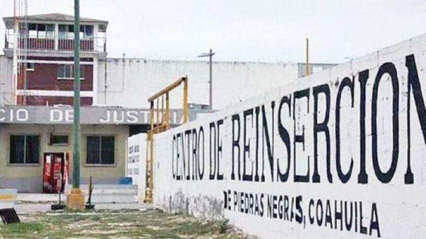 Este es parte del relato de alguien que, al menos durante 2011, estuvo preso en el Centro de Reinserción Social (Cereso) de Piedras Negras, un municipio de 140.000 habitantes del norte mexicano, a escasos 6,35 kilómetros en línea recta de la frontera con Estados Unidos.