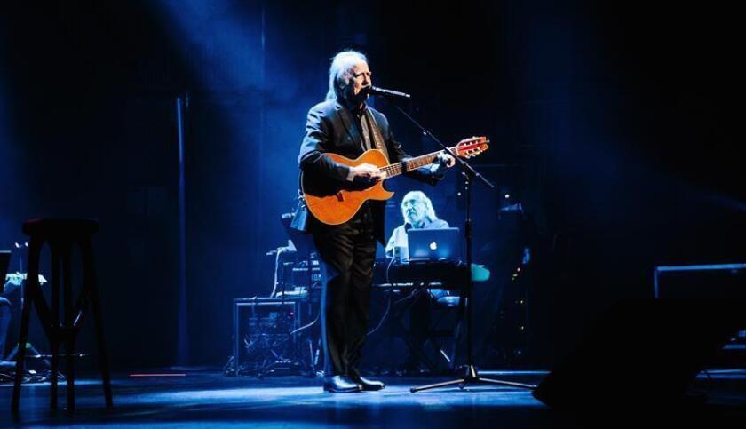 El cantante y compositor Joan Manuel Serrat se presenta este jueves en el Beacon Theater de Nueva York, Nueva York (EE. UU.). EFE