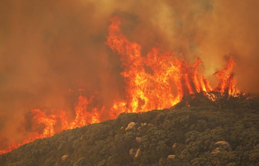 473949_la-me_cave-fire_13_ALS.jpg