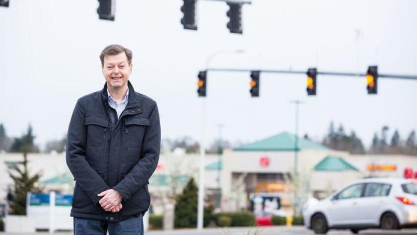 Mats Järlström posa para esta foto sin fecha, publicada por el Institute of Justice, un grupo de libertades civiles que lo representa en su demanda contra el consejo de ingeniería estatal de Oregon (Institute of Justice).