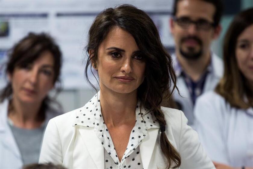 """Siete meses después de su estreno en España, """"Loving Pablo"""", que narra el ascenso y caída de Pablo Escobar, llega a EE.UU. con una historia """"totalmente nueva"""" sobre el narcotraficante colombiano y con escenas tan duras que dejaron en """"shock"""" a Penélope Cruz, dijo la actriz a Efe. EFE/ARCHIVO"""