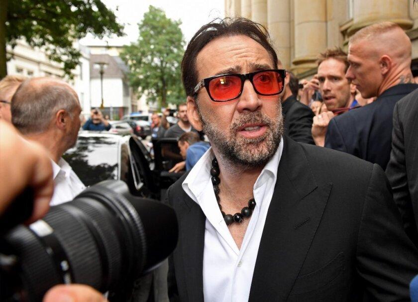 comprando ora miglior posto per comprare Why is Nicolas Cage making oddball direct-to-digital movies ...