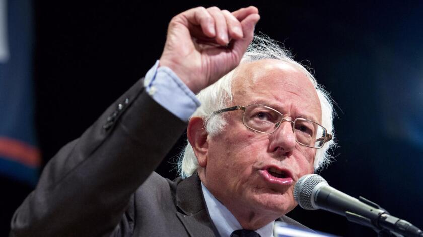 Los seguidores del senador por Vermont confiaban en lograr una posición oficial del Partido en la que se rechazase categóricamente el TPP, aunque el grupo que representa a la virtual candidata demócrata a la Casa Blanca, Hillary Clinton, apostaron por mantener una postura más moderada e impusieron finalmente su criterio.