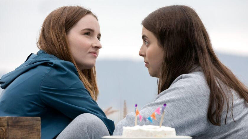 BS_00129_R Kaitlyn Dever stars as Amy and Beanie Feldstein as Molly in Olivia Wilde's directorial