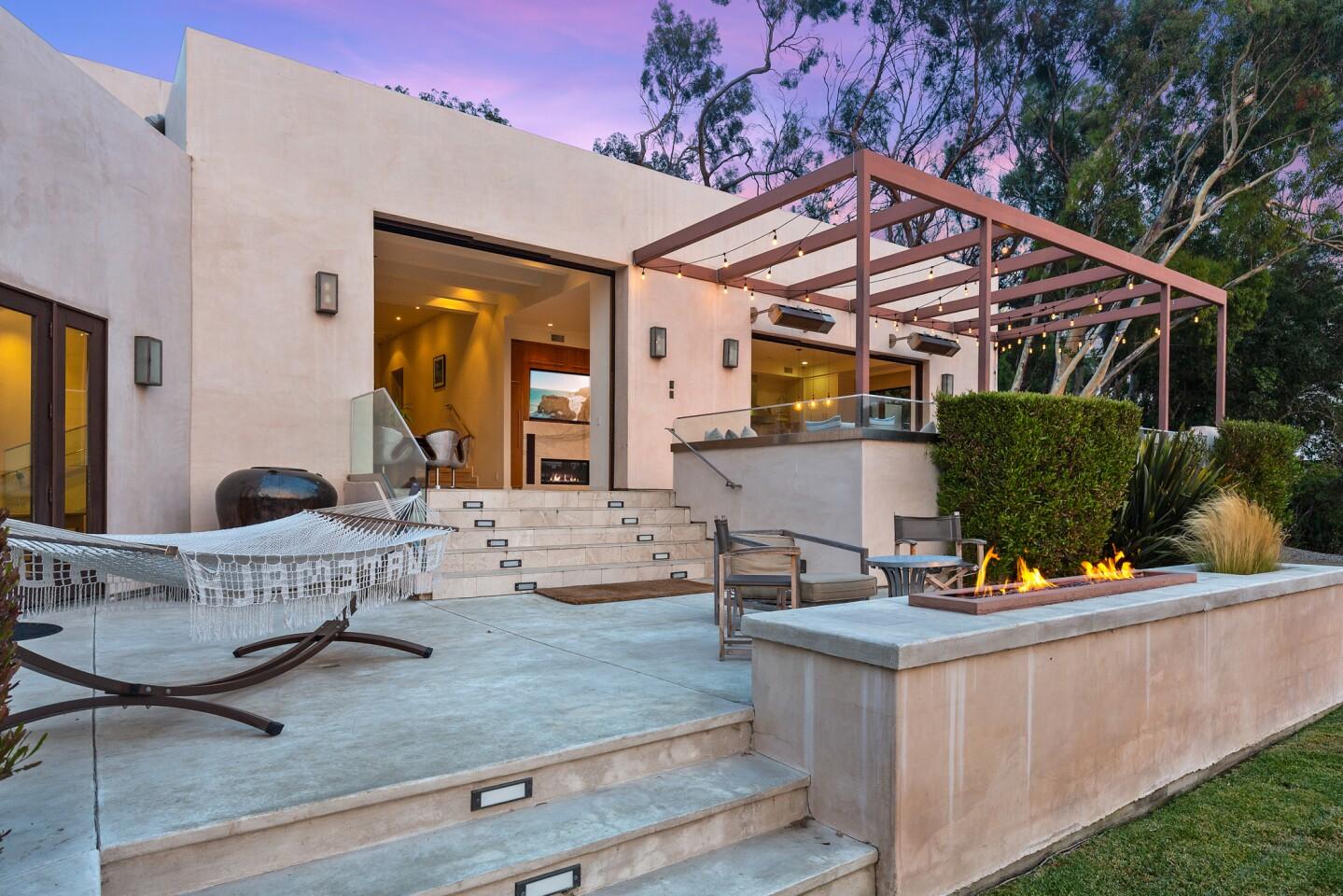 The Hemsworth family's Malibu beach house