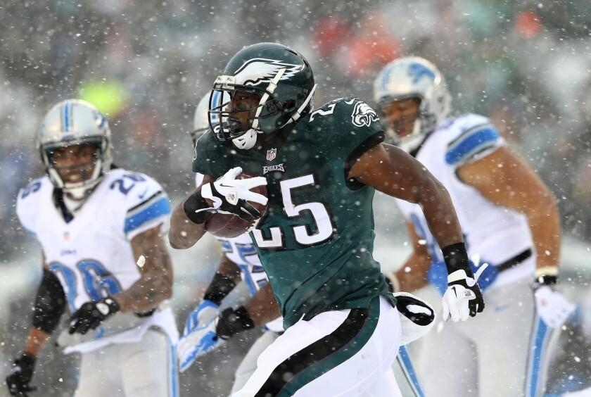 promo code f2fbe 1b955 LeSean McCoy sets Philadelphia Eagles rushing record - Los ...