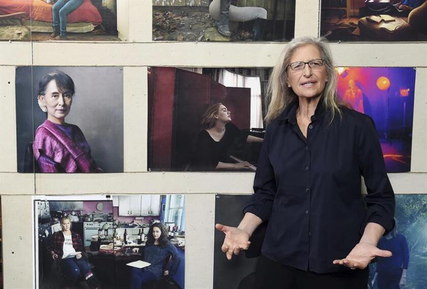 """La fotógrafa Annie Leibovitz posa en su nueva exposición """"Women: New Portraits"""" en Londres (Reino Unido), el 13 de enero de 2016. EFE/Archivo"""