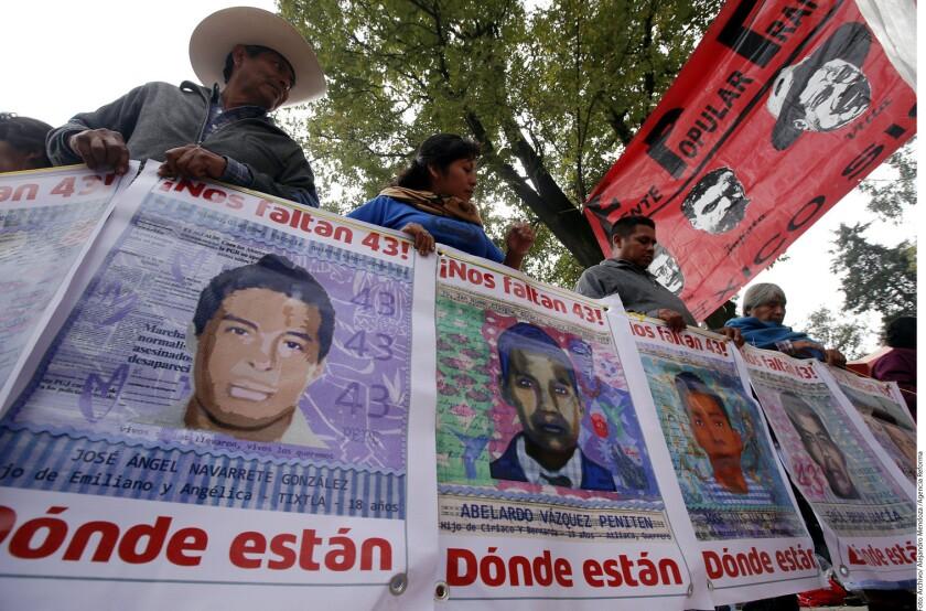 """La detención del exsecretario de Seguridad de Iguala Felipe Flores es un """"avance importantísimo"""" en el caso Ayotzinapa porque puede arrojar luces sobre lo ocurrido a los 43 jóvenes que desaparecieron en 2014 en el sureño estado de Guerrero, afirmaron hoy fuentes oficiales."""