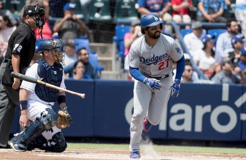 Matt Kemp (d) de los Dodgers de Los Ángeles. EFE/Archivo