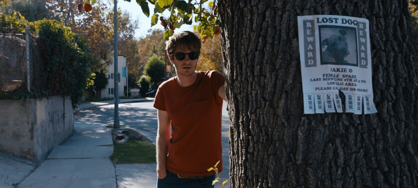 """This image released by A24 shows Andrew Garfield in a scene from """"Under the Silver Lake."""" (A24 via A"""